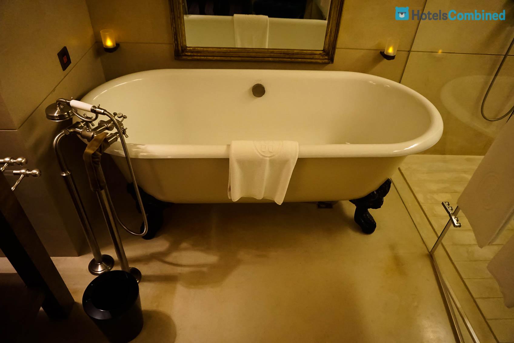 อ่างอาบน้ำเปลี่ยนเป็นแบบนี้แทน