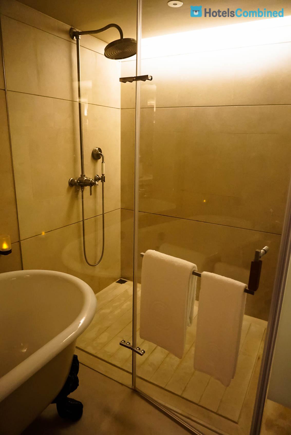 ห้องอาบน้ำขนาดกำลังพอดี