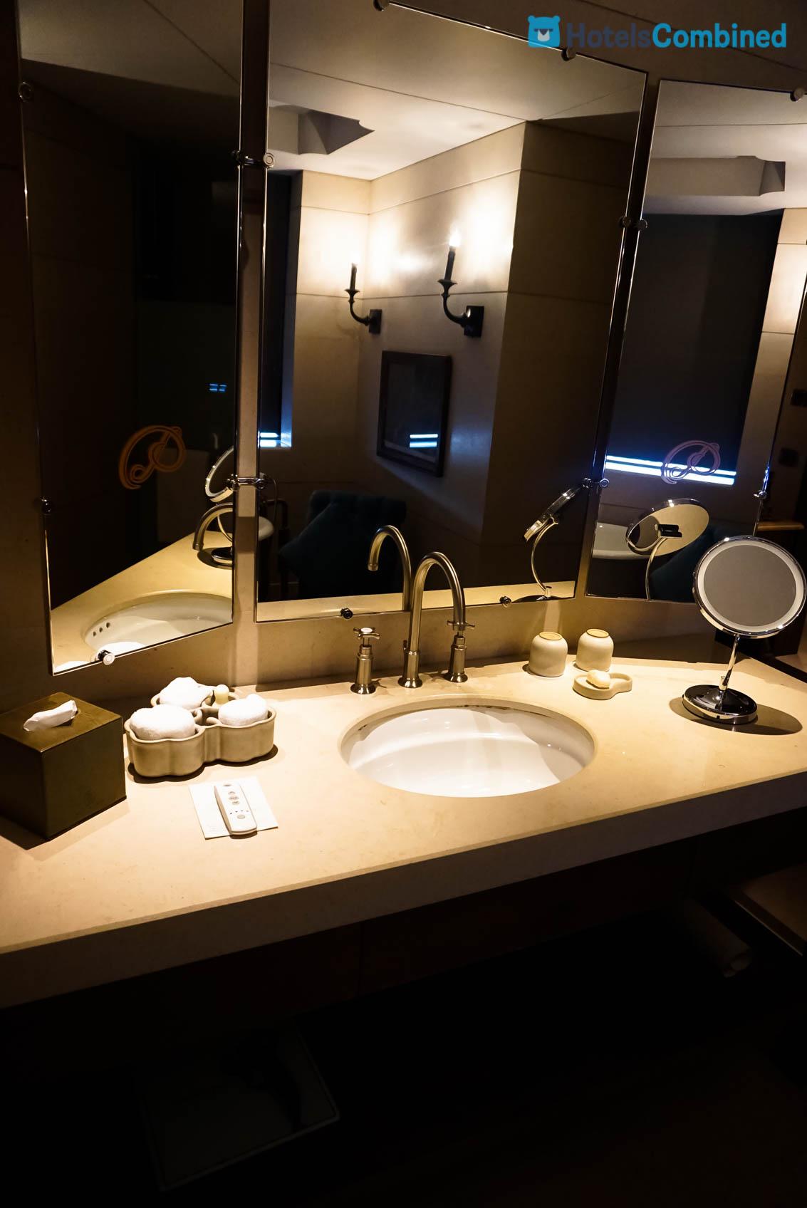 โซนห้องแต่งตัวและอาบน้ำ